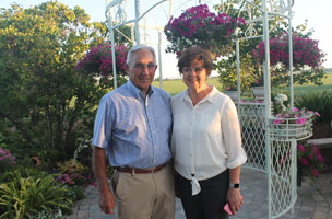 Lou and Kay Wettstein, hosts on a recent TVCC Foundation Garden Tour